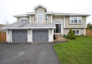 New Price! Stunning 4 Bedroom Home in Admiralty Wood!