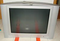 """32"""" JVC TV - give away/ a donner"""