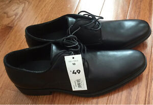 Brand new men's dress shoes. Size 10
