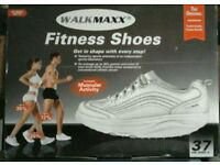 Fitness shoes size 4