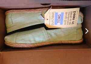 Toms - Lime Spaced Dyed For Sale Kawartha Lakes Peterborough Area image 2