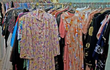 000's of vintage clothes - Victorian to 1970s  - IN BULK