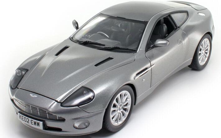 Aston Martin Vanquish V12 Diecast Bond 007 1 18 Diecast Model Car Ebay