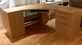 Desk with 2 pedestal drawers