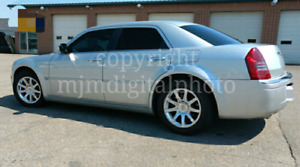 *REDUCED*  *$6700*   2006 Chrysler 300C Hemi, Navigation, Low Km