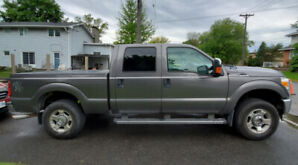2011 Ford F250 XLT in Great Shape