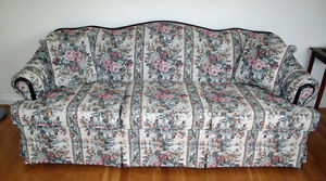 Three-Seater Settee with Mahogany Frame