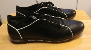 Black leather casual shoe for men