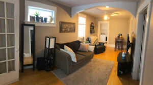 2 BDRM House In the Heart of Cathedral, Some Pets Welcome!