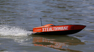 RC Stealthwake 23-inch Brushed Deep-V