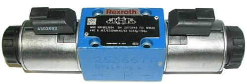 Rexroth R978022924 Hydraulic Directional Control Valve + 4302692 12Vdc Coils