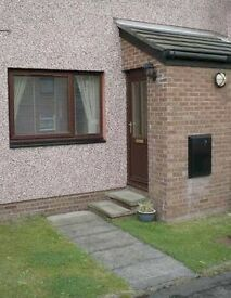 One Bedroom Furnished ground floor flat near Willowbrae with private parking in quiet cul-de-sac.
