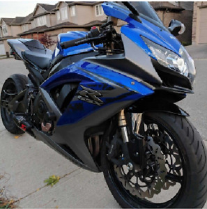 STRETCHED GSX-R 600 MINT CONDITION! FLAWLESS!