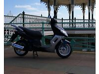 Sinnis Matrix 2 Black and silver 125cc scooter