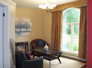 Fully Furnished One Bedroom Executive Suite - Weekly Rental