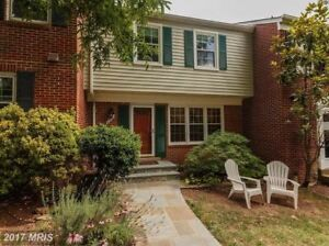 Lovely 3 bed 2.5 bath townhome for rent