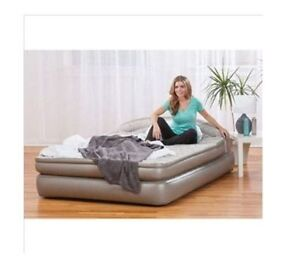 "(QUEEN) AIRBED (20"" HIGH) BUILT-IN ELECTRIC PUMP/REMOTE"