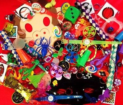 Cheap Trinkets (Lot of 200 Kids Novelty cheap trinkets Children Fun Small Toys)