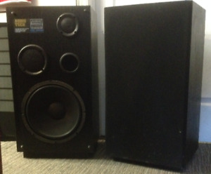 "'sold"" Audio Tech Pro Series speakers set"