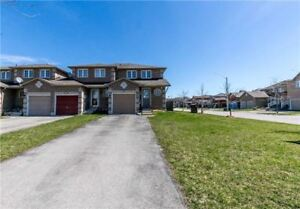 AMAZING CORNER TOWNHOME IN SE & CLOSE TO GO STATION FOR RENT