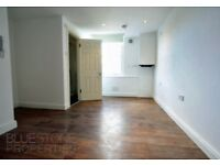 WOWOW!! VERY SPACIOUS 2 BEDROOM 2 BATHROOM FLAT-PRIME LOCATION-PERFECT FOR SHARERS OR SMALL FAMILY