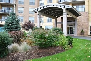 18-078 Beautiful Condo, bright, spacious and So convenient!