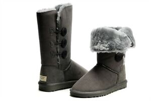 UGG AUSTRALIA WOMEN'S - BAILEY TRIPLE BUTTON BOOT GRAY