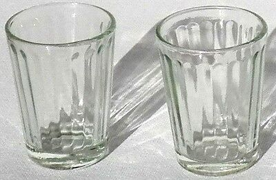 VINTAGE COLLECTIBLE BARWARE TWO SHOT GLASSES INTERIOR WAVE DESIGN & GREEN (Greens Design Collectible Shot Glass)