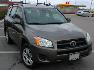 2009 Toyota RAV4 Base, 4cyl, AWD, Roof rack, Hitch, Snow Tires