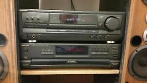 COMPLETE TECHNICS STEREO//5 CD PLAYER & TURNTABLE//