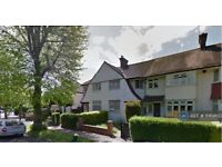 6 bedroom house in Park Drive, London, W3 (6 bed) (#1069807)