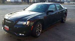 2015 Chrysler 300 Series FULLY LOADED