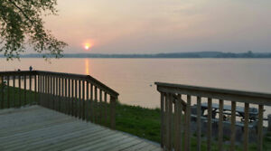 Sandbanks - Cherry Beach Resort Cottage - Lakefront 3-Bedroom