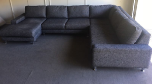 Corner chaise Lounge/couch/sofa - Excellent condition !!! Moorooka Brisbane South West Preview