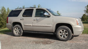 *** Reduced...Reduced...Reduced*** Priced to Sell 2009 GMC Yukon