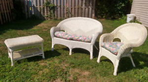 White Wicker Furniture set