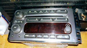 Hummer H3 '07 Head unit/in-dash CD changer For Sale.