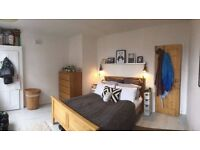 Short Term - beautiful double room in the heart of Angel!