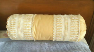 Vintage Bolster Pillow / Coussin - Cotton & Lace - Custom Made