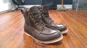 Size 9 1/2 mens timberland Boots.