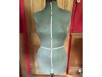SINGER DRESS MAKERS DUMMY - VINTAGE 60s?