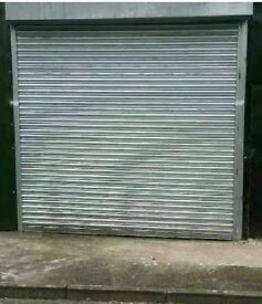 Roller shutter, electric, with remote