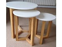 Primodeko Joto Nest of Tables white laquer and oak