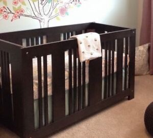 WCK convertible crib/toddler bed/double with crib mattress