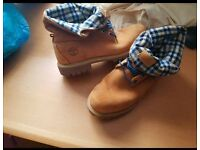 Practically brand new pair of mens Timberland boots, very rare and hard to find design - CLEAROUT