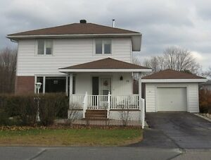 56 Central Ave in Elliot Lake - Beautifully maintained