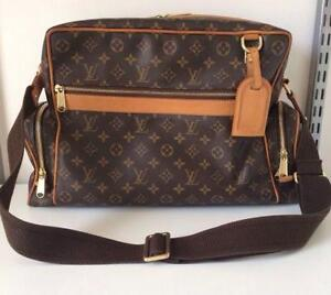 8d667d1cc61 Mens Louis Vuitton Handbag