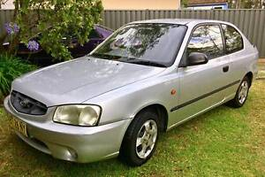 2001 Hyundai Accent Hatchback Farmborough Heights Wollongong Area Preview