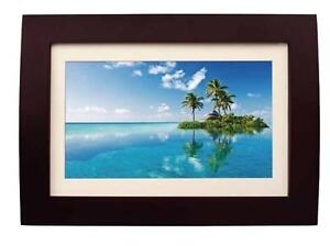 "Sylvania 10"" Digital Multi-Media Photo Frame - LED 16:9 Panel - Wood Frame with Remote - Built-in-2GB Memory - SDPF1089"