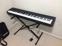 Yamaha P-95 Piano + Stand + Adapter + Pedal (88 weighted keys)